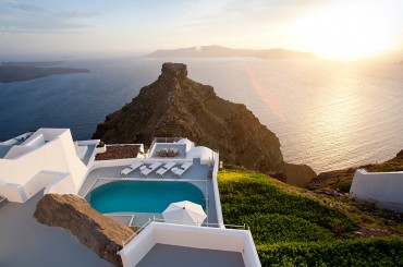 Grace Hotel in Santorini by Divercity Architects